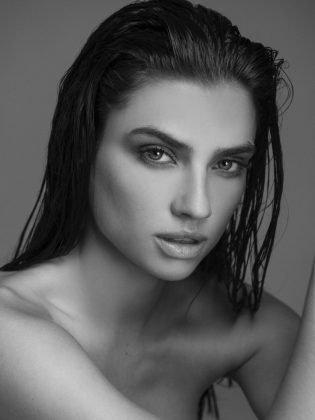 Nicole Harrison - modella australiana