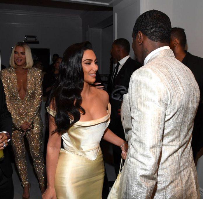 Kim Kardashian indossa un abito da sposa vintage per la festa di Diddy