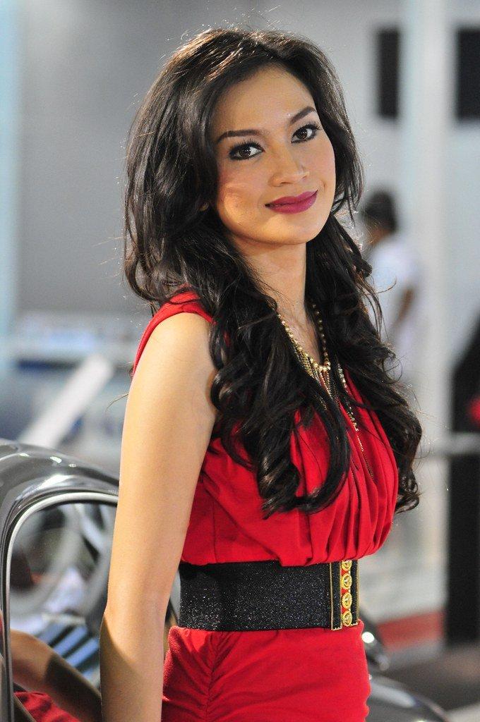 modella nata in indonesia